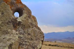 16. Armenia, tokraj, gdzie niemożna się nudzić. Można tu dokonać obserwacji nieba wobserwatorium sprzed tysięcy lat. Zorac Karer.