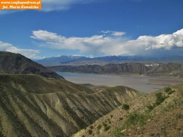 7. Góry podrugiej stronie zbiornika Toktogul.
