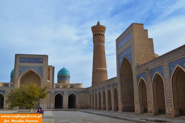 Dziedziniec meczetu Kalon wBucharze