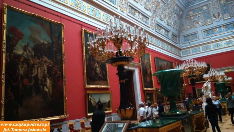 Wnętrza Ermitażu - malarstwo irzeźba wszystkich epok historycznych ikrajów.