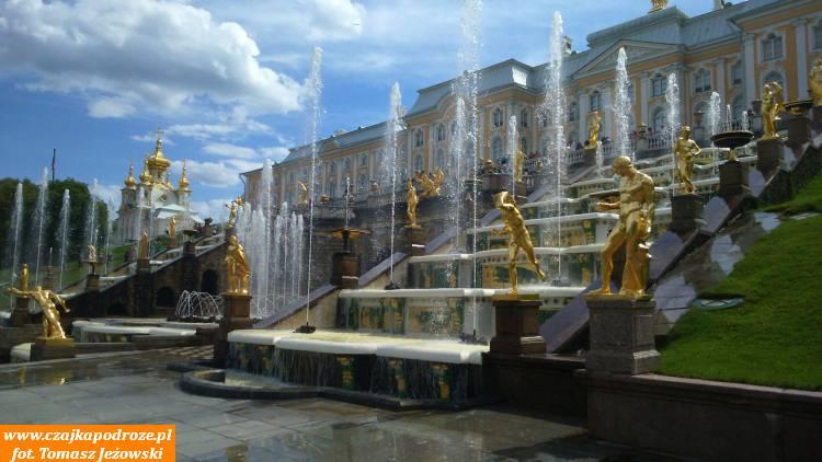 Kapiący złotem Peterhof