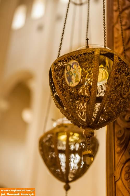 Katedra Soboru Świętej Trójcy wyciska niesamowite piętno nakażdym ją odwiedzającym. Można podziwiać nietylkomonumentalność tejbudowli, alerównież niektóre bogato zdobione elementy.