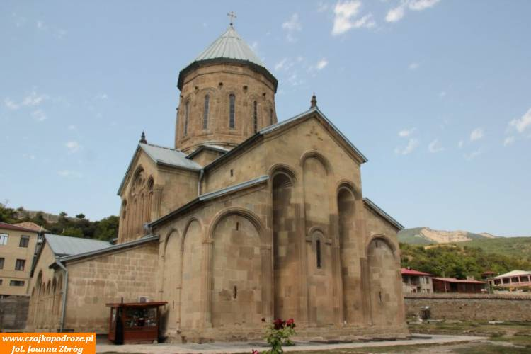 Monaster Samtawro - ważny pomnik średniowiecznej architektury Gruzji.